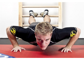 Упражнения на шведской стенке для мужчин и женщин